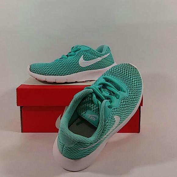 b7d678da29e0 Nike Tanjun Aurora Green White Running Size 12C